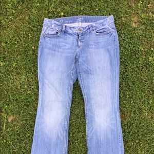 Ladies size 12 Loft stone washed jeans.